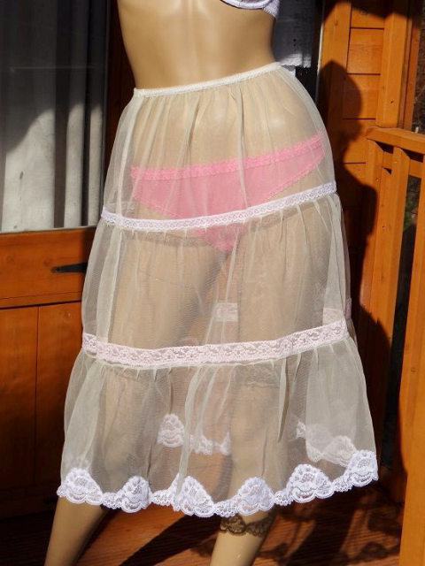 EXQUISITE HANDMADE 3 TIERED SEE THRU NYLON PETTICOAT  SIZE:- MEDIUM/LARGE (UK 12-16)  #484